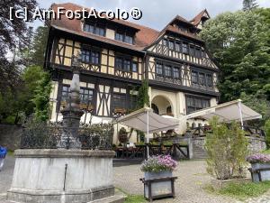 "P08 <small>[JUL-2020]</small> Restaurantul din curtea Castelului Peleș » foto by istvana  -  <span class=""allrVoted glyphicon glyphicon-heart hidden"" id=""av1179189""></span> <a class=""m-l-10 hidden"" id=""sv1179189"" onclick=""voting_Foto_DelVot(,1179189,3677)"" role=""button"">șterge vot <span class=""glyphicon glyphicon-remove""></span></a> <a id=""v91179189"" class="" c-red""  onclick=""voting_Foto_SetVot(1179189)"" role=""button""><span class=""glyphicon glyphicon-heart-empty""></span> <b>LIKE</b> = Votează poza</a> <img class=""hidden""  id=""f1179189W9"" src=""/imagini/loader.gif"" border=""0"" /><span class=""AjErrMes hidden"" id=""e1179189ErM""></span>"