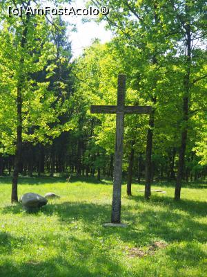 """P31 <small>[APR-2018]</small> Mănăstirea Peri din Săpânța, Maramureș » foto by Dana2008  -  <span class=""""allrVoted glyphicon glyphicon-heart hidden"""" id=""""av966481""""></span> <a class=""""m-l-10 hidden"""" id=""""sv966481"""" onclick=""""voting_Foto_DelVot(,966481,0)"""" role=""""button"""">șterge vot <span class=""""glyphicon glyphicon-remove""""></span></a> <a id=""""v9966481"""" class="""" c-red""""  onclick=""""voting_Foto_SetVot(966481)"""" role=""""button""""><span class=""""glyphicon glyphicon-heart-empty""""></span> <b>LIKE</b> = Votează poza</a> <img class=""""hidden""""  id=""""f966481W9"""" src=""""/imagini/loader.gif"""" border=""""0"""" /><span class=""""AjErrMes hidden"""" id=""""e966481ErM""""></span>"""