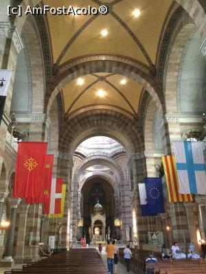 """P27 <small>[SEP-2019]</small> Marsilia - In interiorul catedralei » foto by mishu  -  <span class=""""allrVoted glyphicon glyphicon-heart hidden"""" id=""""av1155331""""></span> <a class=""""m-l-10 hidden"""" id=""""sv1155331"""" onclick=""""voting_Foto_DelVot(,1155331,0)"""" role=""""button"""">șterge vot <span class=""""glyphicon glyphicon-remove""""></span></a> <a id=""""v91155331"""" class="""" c-red""""  onclick=""""voting_Foto_SetVot(1155331)"""" role=""""button""""><span class=""""glyphicon glyphicon-heart-empty""""></span> <b>LIKE</b> = Votează poza</a> <img class=""""hidden""""  id=""""f1155331W9"""" src=""""/imagini/loader.gif"""" border=""""0"""" /><span class=""""AjErrMes hidden"""" id=""""e1155331ErM""""></span>"""