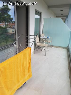 """P13 <small>[JUN-2018]</small> balconul:nu e la fel de mare la toate camerele,(la prietenii nostri n-a fost),am jucat fotbal in balcon,binenteles in ora de liniste. » foto by marinescudinu  -  <span class=""""allrVoted glyphicon glyphicon-heart hidden"""" id=""""av983126""""></span> <a class=""""m-l-10 hidden"""" id=""""sv983126"""" onclick=""""voting_Foto_DelVot(,983126,17934)"""" role=""""button"""">șterge vot <span class=""""glyphicon glyphicon-remove""""></span></a> <a id=""""v9983126"""" class="""" c-red""""  onclick=""""voting_Foto_SetVot(983126)"""" role=""""button""""><span class=""""glyphicon glyphicon-heart-empty""""></span> <b>LIKE</b> = Votează poza</a> <img class=""""hidden""""  id=""""f983126W9"""" src=""""/imagini/loader.gif"""" border=""""0"""" /><span class=""""AjErrMes hidden"""" id=""""e983126ErM""""></span>"""
