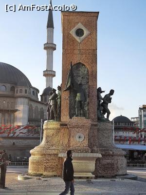 """P19 <small>[FEB-2021]</small> Monumentul din piata Taksim » foto by micutzu  -  <span class=""""allrVoted glyphicon glyphicon-heart hidden"""" id=""""av1218739""""></span> <a class=""""m-l-10 hidden"""" id=""""sv1218739"""" onclick=""""voting_Foto_DelVot(,1218739,0)"""" role=""""button"""">șterge vot <span class=""""glyphicon glyphicon-remove""""></span></a> <a id=""""v91218739"""" class="""" c-red""""  onclick=""""voting_Foto_SetVot(1218739)"""" role=""""button""""><span class=""""glyphicon glyphicon-heart-empty""""></span> <b>LIKE</b> = Votează poza</a> <img class=""""hidden""""  id=""""f1218739W9"""" src=""""/imagini/loader.gif"""" border=""""0"""" /><span class=""""AjErrMes hidden"""" id=""""e1218739ErM""""></span>"""