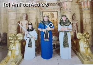 """P43 <small>[SEP-2018]</small> noi 3 in costume traditionale egiptene. in 5 min am fost toti pregatiti de poze, dezbracati, costumati, machiati, imbracati » foto by adutza_ghiocel  -  <span class=""""allrVoted glyphicon glyphicon-heart hidden"""" id=""""av1048951""""></span> <a class=""""m-l-10 hidden"""" id=""""sv1048951"""" onclick=""""voting_Foto_DelVot(,1048951,0)"""" role=""""button"""">șterge vot <span class=""""glyphicon glyphicon-remove""""></span></a> <a id=""""v91048951"""" class="""" c-red""""  onclick=""""voting_Foto_SetVot(1048951)"""" role=""""button""""><span class=""""glyphicon glyphicon-heart-empty""""></span> <b>LIKE</b> = Votează poza</a> <img class=""""hidden""""  id=""""f1048951W9"""" src=""""/imagini/loader.gif"""" border=""""0"""" /><span class=""""AjErrMes hidden"""" id=""""e1048951ErM""""></span>"""