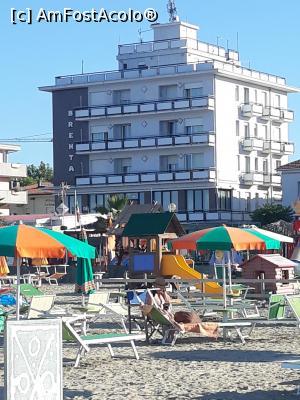 "P01 <small>[JUN-2019]</small> Hotelul Brenta privit de pe plaja.  » foto by sorintm  -  <span class=""allrVoted glyphicon glyphicon-heart hidden"" id=""av1130846""></span> <a class=""m-l-10 hidden"" id=""sv1130846"" onclick=""voting_Foto_DelVot(,1130846,0)"" role=""button"">șterge vot <span class=""glyphicon glyphicon-remove""></span></a> <a id=""v91130846"" class="" c-red""  onclick=""voting_Foto_SetVot(1130846)"" role=""button""><span class=""glyphicon glyphicon-heart-empty""></span> <b>LIKE</b> = Votează poza</a> <img class=""hidden""  id=""f1130846W9"" src=""/imagini/loader.gif"" border=""0"" /><span class=""AjErrMes hidden"" id=""e1130846ErM""></span>"